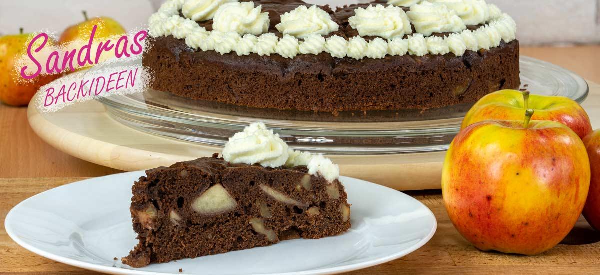 Schokoladenkuchen mit Äpfeln und Nüssen