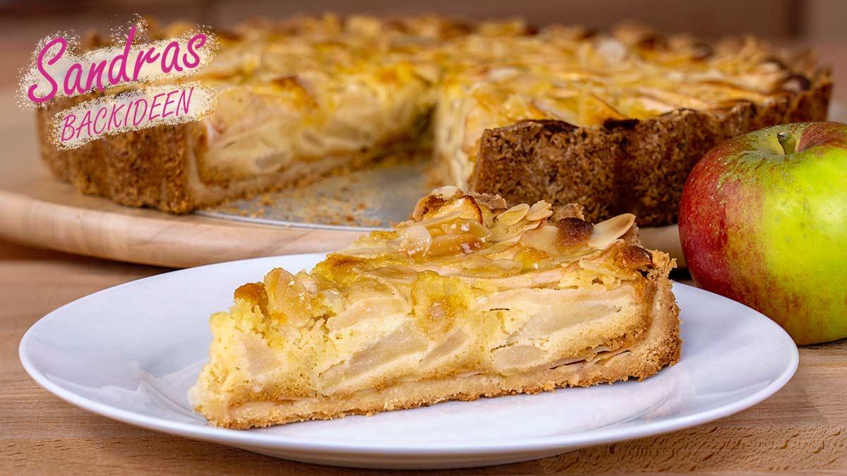 Apfelkuchen mit Marzipan und Mandeln